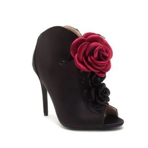Rose 🌹 Black Booties